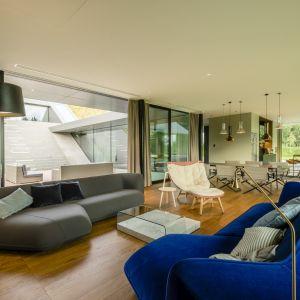 Architektura domu pozostaje widoczna dla jego użytkowników, będąc zarazem wartością dla otoczenia. Green Line House od Mobius Architekci Przemek Olczyk. Fot. Paweł Ulatowski