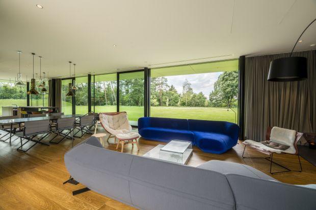 Dom Green Line na Warmii zaprojektowany przez pracownię Mobius Architekci zdobył nagrodę główną Grand Prix w Plebiscycie Polska Architektura XXL 2019. Wcześniej projekt zyskał prestiżową nagrodę European Property Awards za najlepszy projekt dom