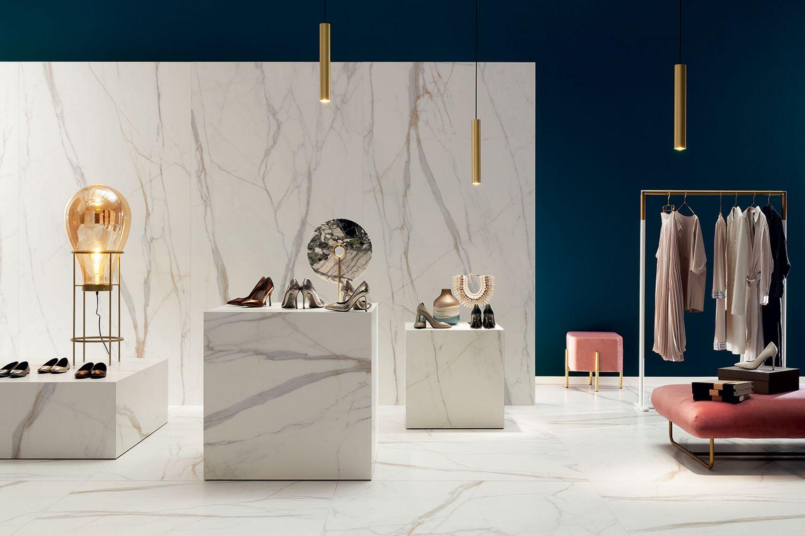 Kolekcja Marmo D'Oro otwiera prezentację wielkoformatowych nowości Ceramiki Tubądzin inspirowanych naturą. Fot. Tubądzin. CENA: 120x240 MAT – 299,87 zł/m2, 120x240 POL – 349,94 zł/m2