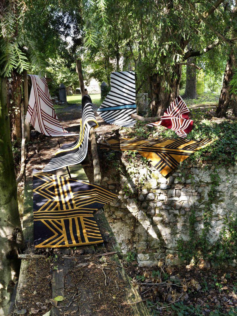Carpet Edition kolekcja Siamo Tutti Uno projekty Urihi Black, Kyrin Gold, Memby Yellow Exas Blue, Urihi Red, Kyrin White