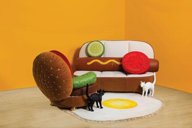 Mówi się, że dwie najlepsze rzeczy w życiu człowieka to jedzenie i leżenie. Ten sprytny mebel pozwoli nam połączyć obie te przyjemności. Jeśli myślicie, że widzieliście już wszystko, zobaczcie projekt słynnego projektanta. Meble można kup