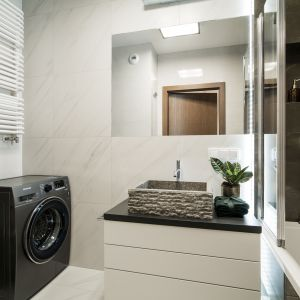 Kamienne umywalki są nie tylko praktyczne, ale też bardzo ciekawe. Pracownia KODO Projekty i Realizacje