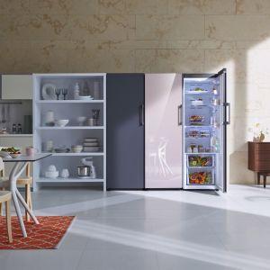 Linia lodówek BeSpoke oferuje 8 różnych wersji, od urządzeń jedno- do czterodrzwiowych. Fronty dostępne z 3 różnych materiałów – metal cotta, szkło satynowane i szkło glam – oraz  w wielu opcjach kolorystycznych. Nowość, Samsung,