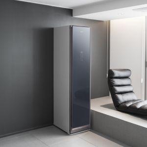 Do szafy AirDresser, w przeciwieństwie do pralki, nie trzeba podłączać źródła wody. Cena 8.999 zł Fot. Samsung