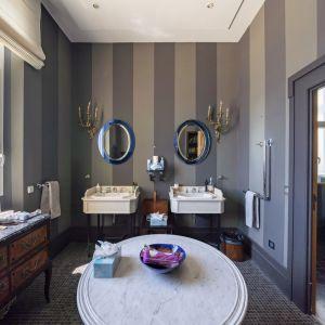 Jedna z łazienek w klasycznym stylu. Zdjęcia: Knight-Frank. Źródło: TopTenRealEstateDeals.com