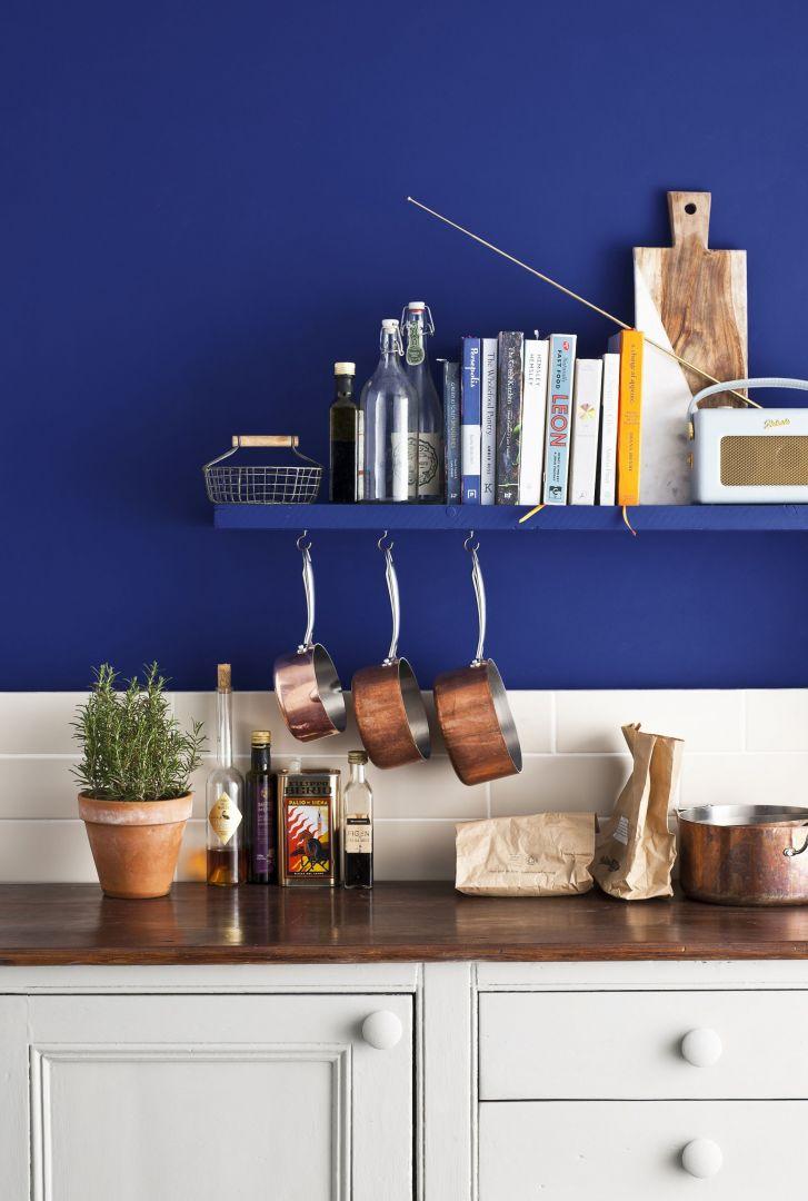 Użyta farba: Annie Sloan  Wall Paint   Napoleonic Blue. Fot. Annie Sloan