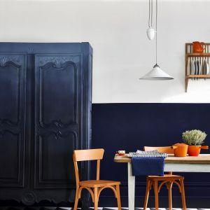 Użyta farba:  Oxford Navy,  Athenian Black plus Pure Barcelone. Fot. Annie Sloan