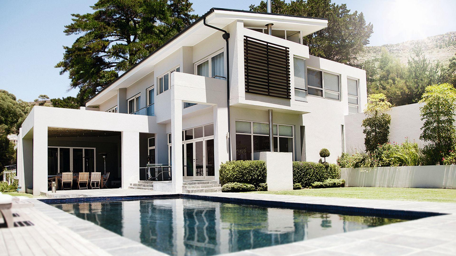 Okucie Roto NX pozwala projektować okna z PVC i drewna – o wysokości 2800 mm i masie do 150 kg.