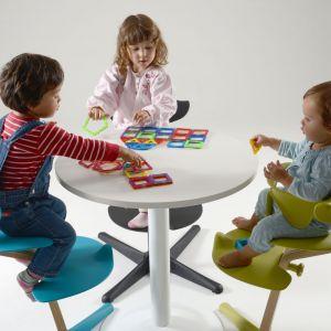Dziecięce bezpieczne krzesło Nomi dla marki Evomove. Zmienia się razem z rosnącym dzieckiem. 875 zł