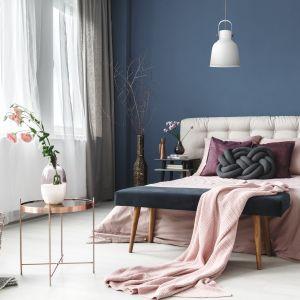 Jeśli lubisz nowoczesne i eleganckie przedmioty, do gustu przypadnie ci lampa wisząca Loly biała (239 zł).