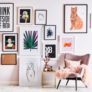 Koncepcja galerii ściennej to idealne rozwiązanie dla wszystkich tych, którzy wciąż poszukują swojego stylu. Fot. WestwingNow.pl
