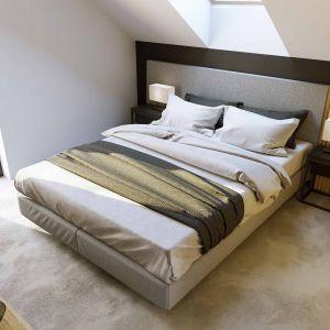 Na poddaszu znajduje się sypialnia małżeńska, łazienka oraz trzy pokoje. Szacunkowy koszt budowy: 249.783 zł (stan surowy zamknięty). Projekt wykonano w Pracowni HomeKONCEPT