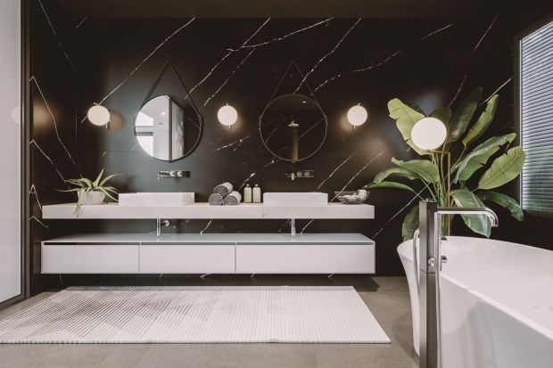 Coraz częściej stosowanym we wnętrzach materiałem jest konglomerat kamienny, zwłaszcza w modnym matowym wydaniu. Zobaczcie, jak mogą się prezentować kuchnie i łazienki zaaranżowane przy jego pomocy.