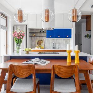 Kuchnia w kolorze i drewnie. Projekt Joanna Rej. Fot. Pion Poziom