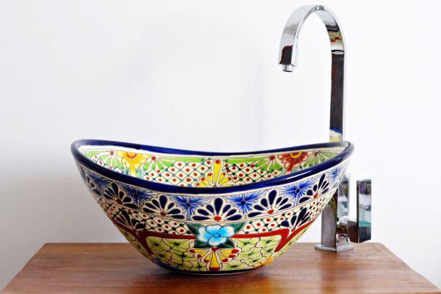 Kolorowe, ręcznie malowane, egzotyczne - umywalki z Meksyku już od kilku lat cieszą się sporą popularnością także w Polsce. Świetnie się sprawdzajązwłaszcza w białych czy szarych wnętrzach! Zobaczcie, ile kosztują i jak wyglądają!