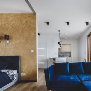 Mieszkanie jest nieduże, ale dzięki zmianie układu wnętrza bardzo wygodne. Projekt i zdjęcia: Magdalena Opitek