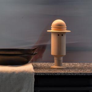 Human to figurka z drewna bukowego, składająca się z 5 elementów, które można konfigurować w dowolny sposób. Cena: 210 zł. Fot. Doki