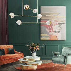 Ciepły odcień cantaloupe łączymy z chłodnymi zieleniami, beżami i szarościami. Fot. Essential Home