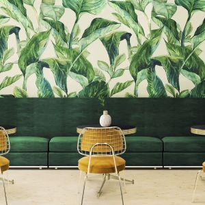 Znakomitym tłem dla mocnego żółtego koloru będą odcienie zieleni. Takie zestawienie to świetny przepis na wnętrze w stylu vintage. Fot. Essential Home