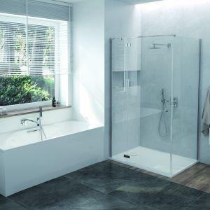Nowoczesna kabina prysznicowa narożna serii Free Line II – KNDJ2/FreeII. Dostępna jako uniwersalne rozwiązanie do montażu w wersji lewej i prawej, jest zbudowana z 6 mm bezpiecznego szkła hartowanego. Dostępna w ofercie firmy Sanplast. Cena: 2.804,40 zł.  Fot. Sanplast