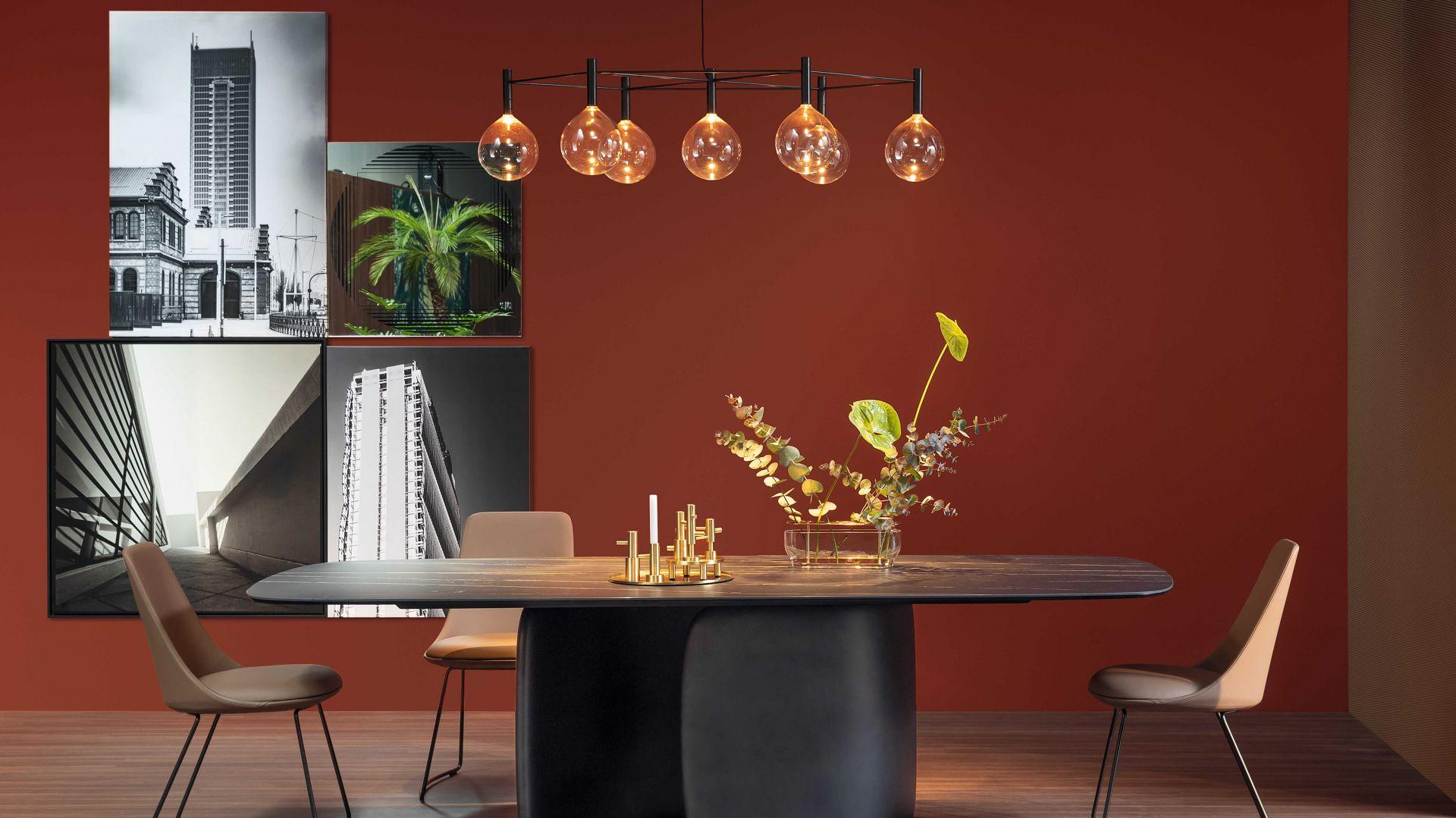Stół Mellow zaprojektowany dla Bonaldo. Blat stołu dostępny jest w wykończeniach: drewno, marmur, ceramika lub szkło, a stół wstępuje w 4 rozmiarach. Od ok. 20 tys. zł. Projekt Bartoli Design. Fot. Bonaldo/Bartoli Design