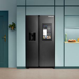 Lodówka Samsung Family Hub™ z wbudowanym w drzwiach ekranem sprawi, że będzie jego multimedialnym centrum zarządzania.