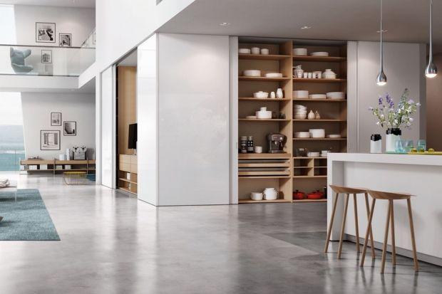W każdym domu musi się znaleźć przestrzeń do przechowywania. Warto o nią zadbać w każdym pomieszczeniu: w kuchni, w salonie oraz w sypialni czy w łazience.<br /><br />