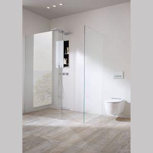 Zarówno toaleta, jak i bidet Geberit ONE są pokryte szkliwem KeraTect, zapewniającym optymalną ochronę i higienę. Panel dekoracyjny występuje w dwóch kolorach: bieli i błyszczącego chromu.