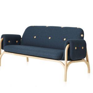 Button Sofa – projekt dla marki Swedese, inspirowany szwedzkim tradycyjnym rzemiosłem. Fot. Swedese