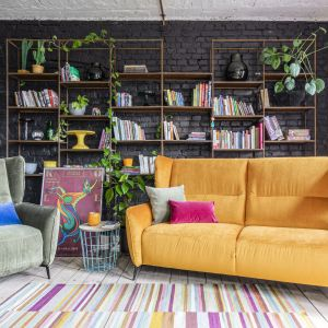Na zdj. fotel i sofa 2-osobowa Merrida Gala Collezione. Cena 2.511 zł (sofa)