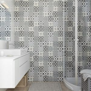 Do wyboru mamy kilkadziesiąt wzorów paneli ściennych - w zależności od tego na jakim efekcie nam zależy, możemy wybrać np. wzór Patchwork, który nawiązuje do marokańskich mozaik i wprowadzi do naszej łazienki orientalny klimat. Fot. Vilo, Motivo Patchwork. Cena ok. 87 zł za szt. 8 x 250 x 2650 mm, 32,99 zł / m2