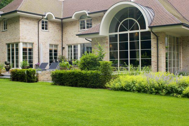 Jakie okna pasują do domów nowoczesnych, a jakie do tradycyjnych? Podpowiadamy. Sprawdźcie co radzą eksperci.<br /><br /><br />
