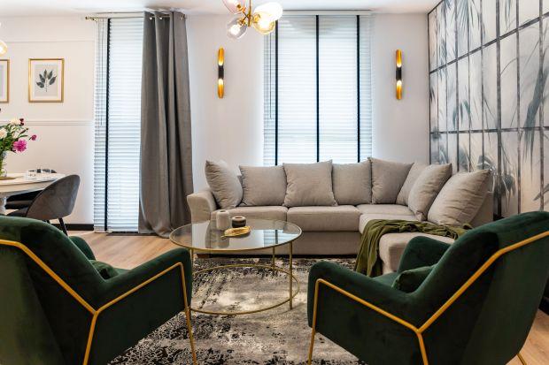Mieszkanie, znajdujące się napiętrze w nowym bloku, ma powierzchnię 56 metrów kwadratowych. Zostało zaprojektowane dla dwóch młodych osób, które oczekiwały wnętrza nowoczesnego, aczkolwiek w niezbyt oczywistym stylu.