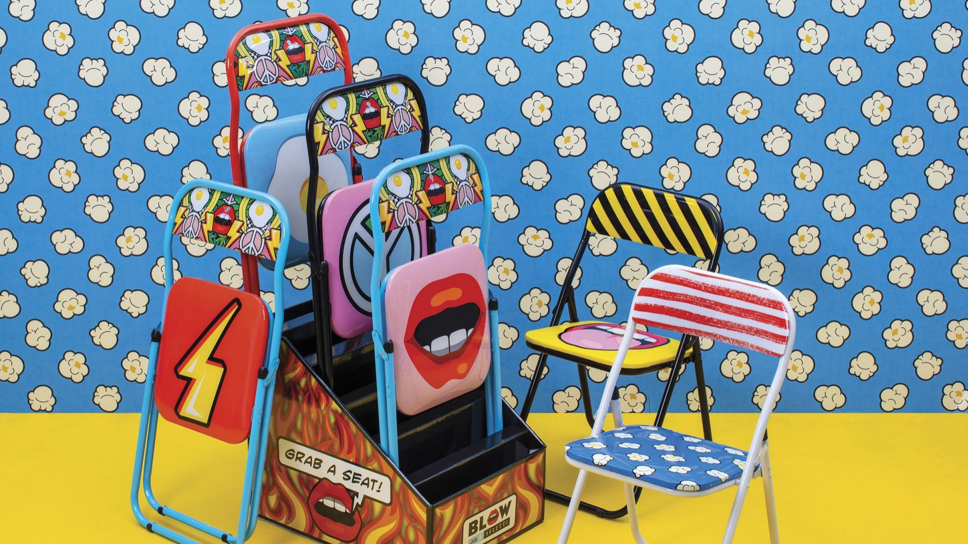 Folding Chair to kolekcja zabawnych składanych krzeseł, które dla marki Seletti zaprojektowało Studio Job. Cena krzesła: ok 288 zł (cena ze sklepu Milionova.pl). Producent: Seletti