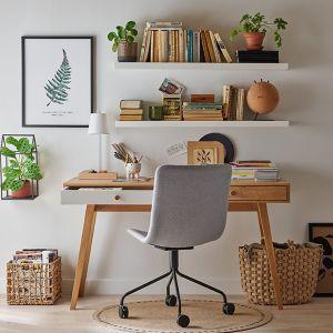 Dla miłośników minimalistycznych rozwiązań idealne będzie biurko z kolekcji Nature, które dla VOX zaprojektowała pracownia Tabanda. Fot. Vox