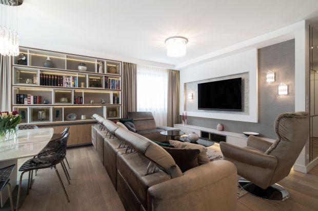 To wnętrze jest ponadczasowe i przytulne.Komfort mieszkańców gra tu główną rolę, a elegancja przenika się z nowoczesnością.