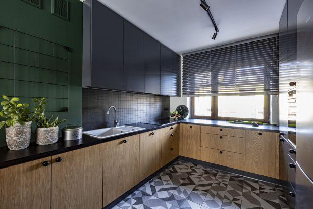 Ta kuchnia w szeregówce jest wygodna i dobrze zaprojektowana. Zobaczcie pomysł projektantekAnety Lehmanni Sylwii Kowalczyk-Gajda.