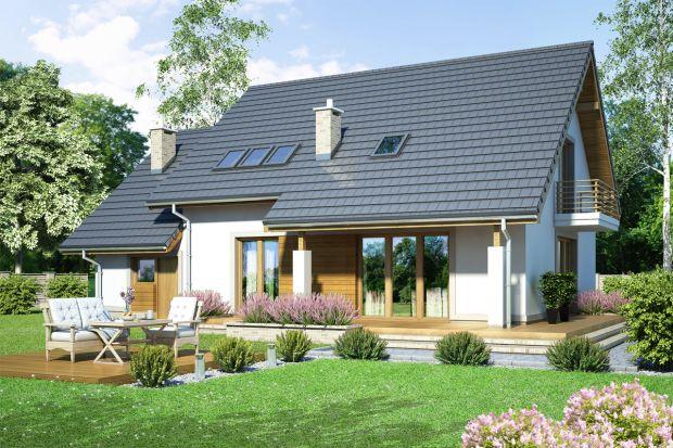 To projekturoczego,małego domu z poddaszem użytkowym, który pięknie wyglądai ma wygodny układ wnętrza. Prosta bryła sprawia, że będzie łatwy i tani w budowie.