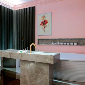 Miłośnicy naturalnych materiałów mogą go wykorzystać w łazienkach. Fot. Interstone Perla Santana