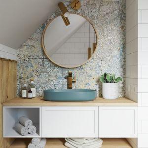 W każdej łazience bez wątpienia musi się znaleźć miejsce na podstawowe wyposażenie: umywalkę, toaletę, pralkę, grzejnik, oświetlenie oraz kabinę prysznicową bądź wannę. Projekt: Aleksandra Nocuń, Wnętrzagram. Fot. Luxrad