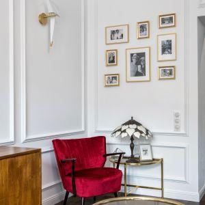 Zdecydowanie najczęściej spotykamy białą sztukaterię. Dekorian Home x Deer Design. Fot. Marta Wołosz-Molenda