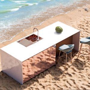 Wyobraź sobie kuchnię w... środowisku naturalnym.Epilog Studio motyw plaża