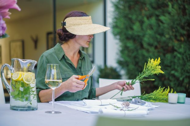 Zbieranie owoców, warzyw czy ziół z własnego gródka wymaga użycia odpowiednich narzędzi. Pomogą nam szybko i bez wysiłku napełnić ogrodowy kosz.