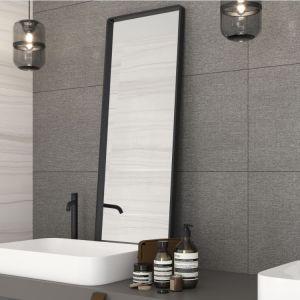 Kolekcja Maratona to wybór idealny dla tych, którzy pragną, aby płytki w łazience stanowiły delikatne, lecz intrygujące tło dla odważnych kolorystycznie dekoracji. Dostępne w ofercie firmy Cersanit. Cena: 139,99 zł/m2 (39,8x119,8 cm). Fot. Cersanit