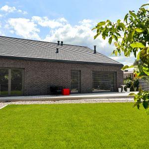 Dom Zerokosztowy to projekt domu, w którym roczne koszty energii i ogrzewania wynoszą 0 zł. Projekt: Eureka Architekci. Zdjęcia: Tomasz Łapiński