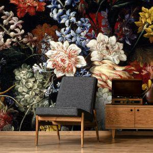 Ściana ozdobiona przeskalowanym wzorem z 17-wiecznego obrazu Nicolasa Baudesson. Jest pięknie! Fot. Wallsaucecom