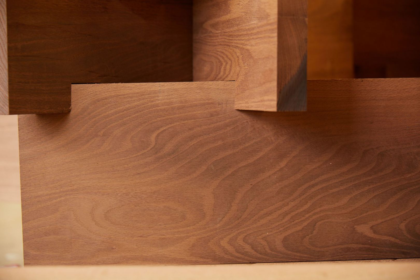 Nest to siedzisko, które dla sir Johna Sorrella, współzałożyciela i dyrektora generalnego Festiwalu Designu w Londynie zaprojektowała Juliet Quintero, współzałożycielka i dyrektorka pracowni architektury i projektowania Dallas-Pierce-Quintero.