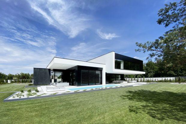 Prezentujemy 10najważniejszych projektów domów w historii pracowniREFORM Architekt. To wybór przygotowany przez architektMarcina Tomaszewskiego, który dokładnie 10 lat temu otworzył swoją pracownię.