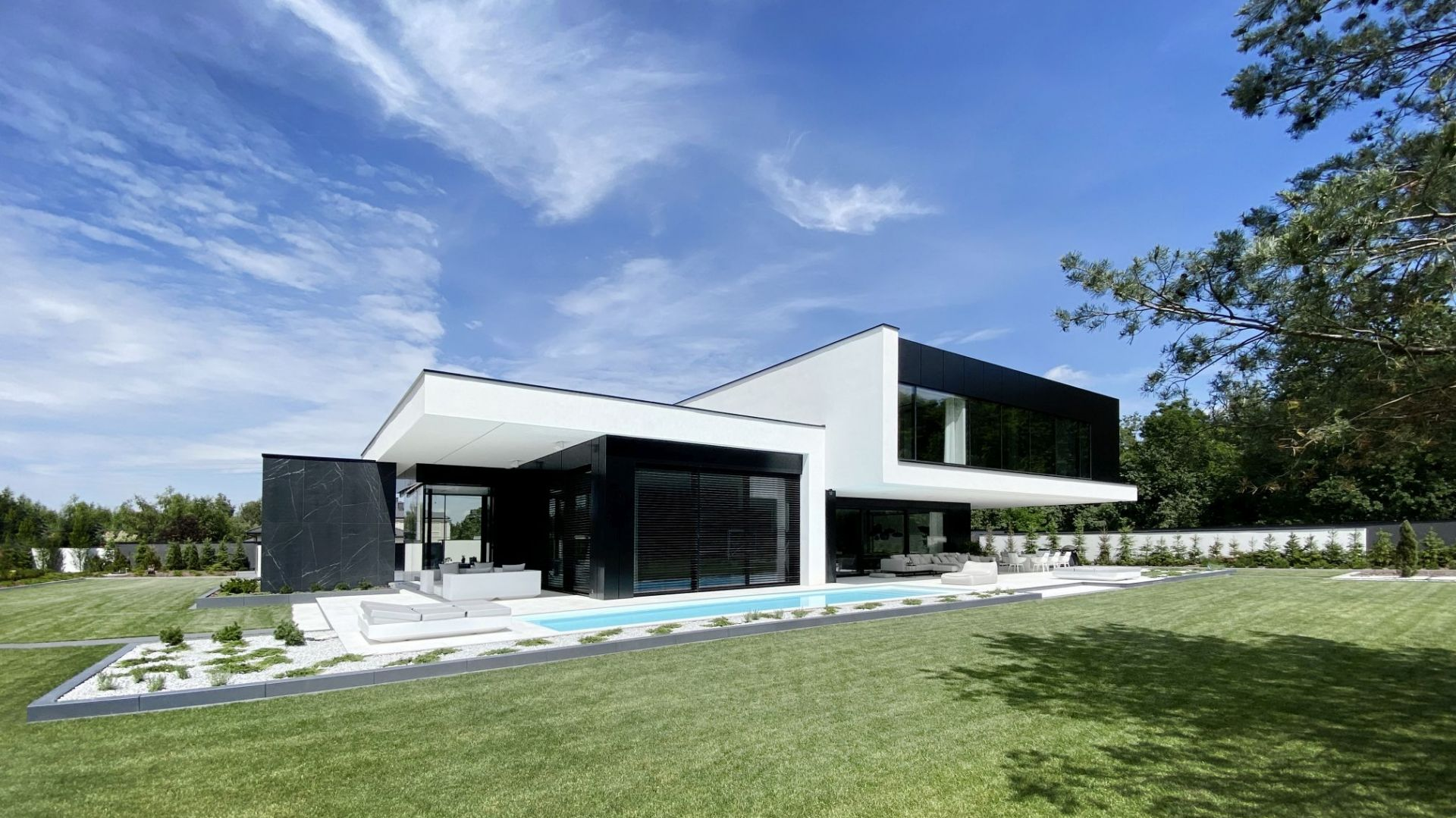 RE Black Mirror House. Projekt: REFORM Architekt