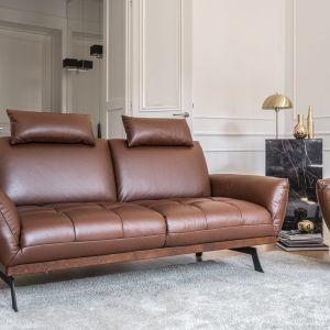 Zagłówki to prawdziwa ulga dla zmęczonego codziennym siedzeniem przy biurku kręgosłupa. Sofa i fotel Nicea, fot. Gala Collezione